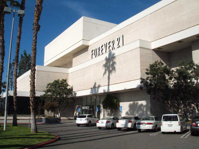 Forever 21 Completes Move And Makeover At Galleria At